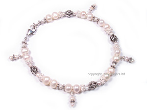 mothers anklets | kennedy in freshwater pearls