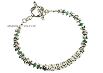 mothers bracelets | archie in emeralds f4