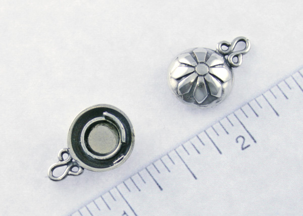 personalized jewelry - magnetic clasp open