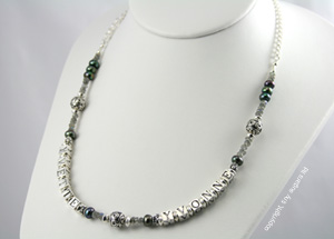 mothers necklaces | yvonne in labradorite